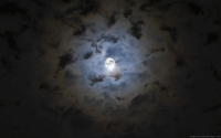 Collection\Msft\Seasons: Full-Moon-through-clouds