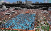 OverPopulation: Overpopulated-Swimmingpool
